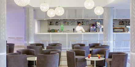 Bar på hotell Bahia de Lobos by LABRANDA i Corralejo, Fuerteventura.
