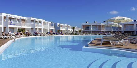 Pool på hotell Bahia de Lobos by LABRANDA i Corralejo, Fuerteventura.