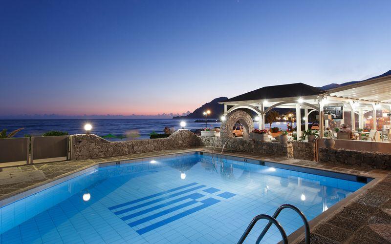 Poolområdet på hotell Lamon i Plakias på Kreta, Grekland.
