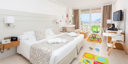 Familjerum på hotell Landmar Playa de la Arena på Teneriffa, Kanarieöarna.