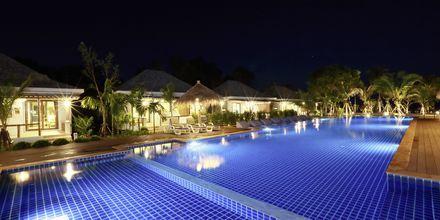 Poolområde på hotell Lanta Casa Blanca på Koh Lanta i Thailand.