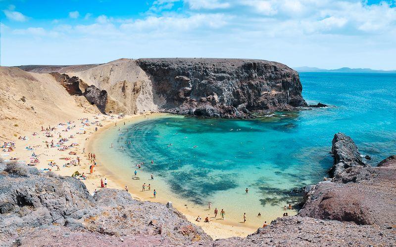 Lanzarotes mest populära stränder är Papagayostränderna, i närheten av Playa Blanca.