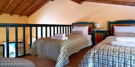 Tvårumslägenhet på hotell Ledra i Votsalakia på Samos, Grekland.