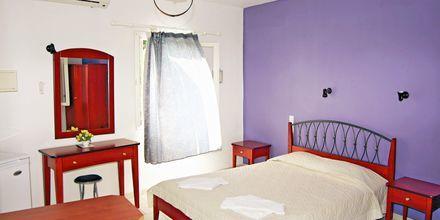 Enrumslägenhet på hotell Lemon Tree i Parga, Grekland.