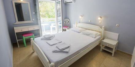 Dubbelrum på hotell Lenox på Samos i Grekland.