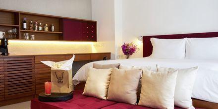 Större dubbelrum på Let's Sea Hua Hin Al Fresco Resort i Thailand.