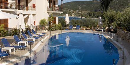 Pool på hotell Liakoto i Kardamili, Grekland.
