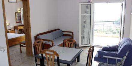 Tvårumslägenheter på hotell Lichnos Bay Village i Parga, Grekland.