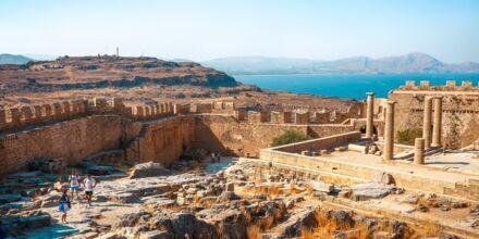 Akropolisklippan, en av Rhodos stora kulturella sevärdheter.