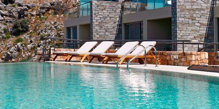 Poolområde på hotell Lindos Blu på Rhodos, Grekland.