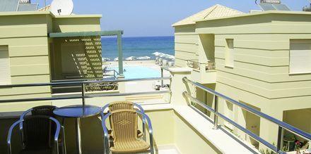Balkong på hotell Lissos i Platanias på Kreta, Grekland.