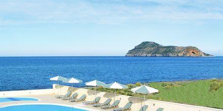 Poolområdet på hotell Lissos i Platanias på Kreta, Grekland.