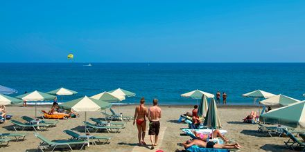 Stranden vid hotell Lissos i Platanias på Kreta, Grekland.