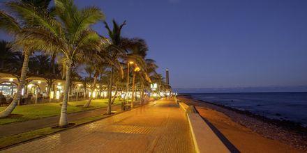 Strandpromenaden nedanför Lopesan Costa Meloneras Resort Spa & Casino, Gran Canaria.