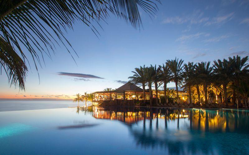 Poolområde på Lopesan Costa Meloneras Resort Spa & Casino, Gran Canaria.