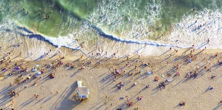 Njut av Los Angeles varma klimat på en av stadens många stränder.