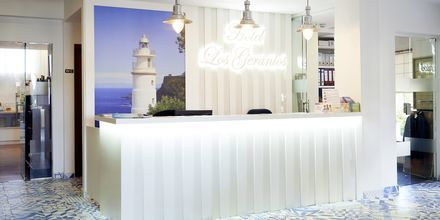 Reception på hotell Los Geranios i Puerto de Sóller på Mallorca.