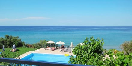 Balkongutsikt från hotell Loukas on the Waves i Tragaki, Zakynthos.