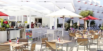 Poolbar på hotell Lti Gala i Playa de las Americas på Teneriffa.