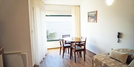 Tvårumslägenhet i nyrenoverad del på lägenhetshotellet Lucija i Makarska, Kroatien.