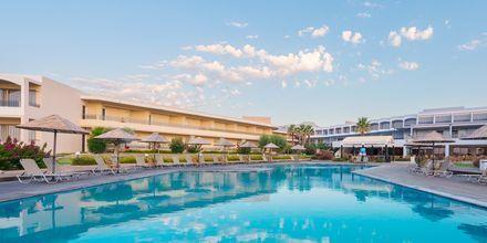 Poolområdet på hotell Lutania Beach i Kolymbia på Rhodos, Grekland.