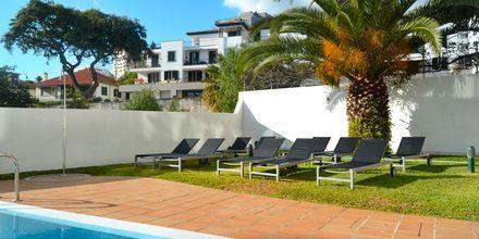 Pool på hotell Madeira Bright Star i Funchal på Madeira, Portugal.