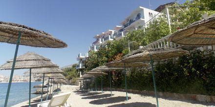 Badplatå på hotell Maestral i Saranda, Albanien.