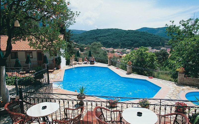 Poolen på hotell Magda's i Parga, Grekland.