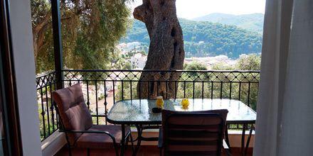 Trerumslägenhet i etage på hotell Magda's i Parga, Grekland.