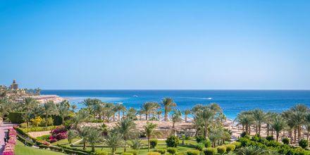 Utsikt över Makadi Bay från hotell Fort Arabesque Resort i Makadi Bay, Egypten.
