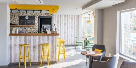 Mondo Café på hotell Malama Beach Holiday Village i Fig Tree Bay på Cypern.