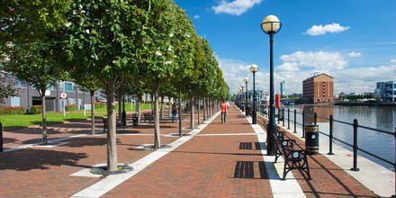 Promenadstråk bredvid kanalen i Manchester, England.