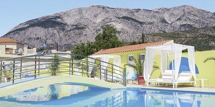 Poolområdet på hotell Mando på Samos, Grekland.