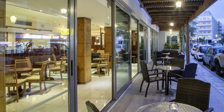 Restaurang på hotell Manousos i Rhodos stad, Grekland.