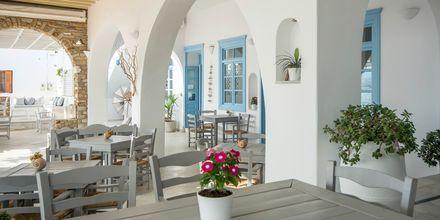 Njut av en skön semester på hotell Mantalena, Antiparos, Grekland.