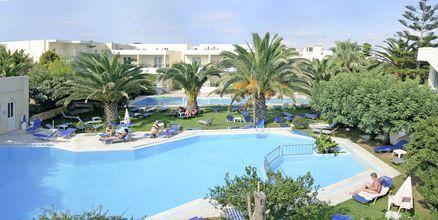 Poolområdet på hotell Marakis i Platanias på Kreta, Grekland.