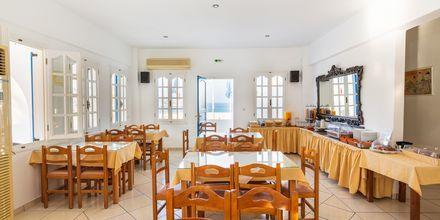 Frukostmatsalen på hotell Marcos Beach på Ios i Grekland.