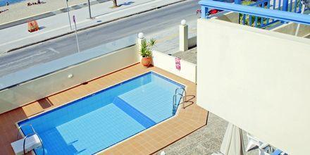 Poolen på hotell Marel i Rethymnon, Kreta.
