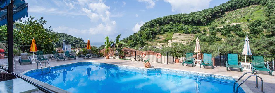 Poolen på hotell Margarita i Parga, Grekland.