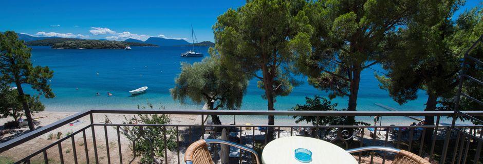 Utsikt från dubbelrum, Marina Pansion, Lefkas.