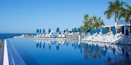 Poolområde på Marina Suites i Puerto Rico på Gran Canaria.