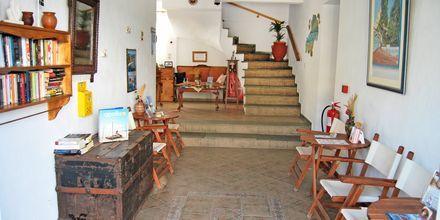 Receptionen på hotell Mario i Megali Ammos på Skiathos, Grekland.