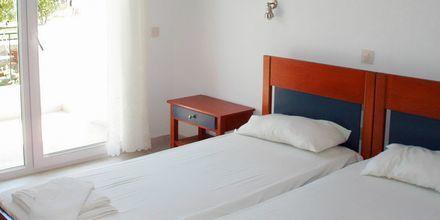 Enrumslägenhet på hotell Mario i Megali Ammos på Skiathos, Grekland.