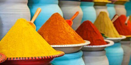 Marockanska kryddor till försäljning.