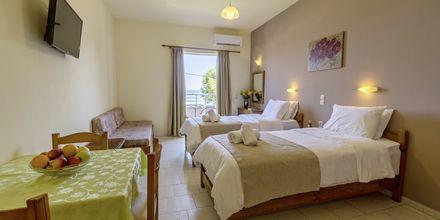 Enrumslägenhet med havsutsikt och extrabädd på hotell Mary, Kreta.