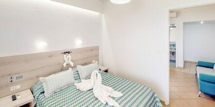 Tvårumslägenhet superior på hotell Medusa i Rethymnon stad på Kreta, Grekland.