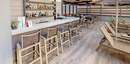 Bar på hotell Medusa i Rethymnon stad på Kreta, Grekland.