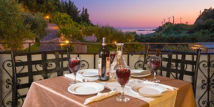 Restaurang på hotell Mega Ammos i Sivota, Grekland.