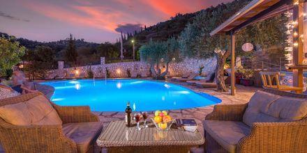 Poolområde på hotell Mega Ammos i Sivota, Grekland.