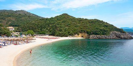 Stranden Megali Ammos Beach vid hotell Mega Ammos i Sivota, Grekland